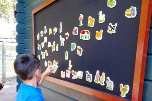 uitsnede-magneetbord-kinderboerderij-Medium-600x401